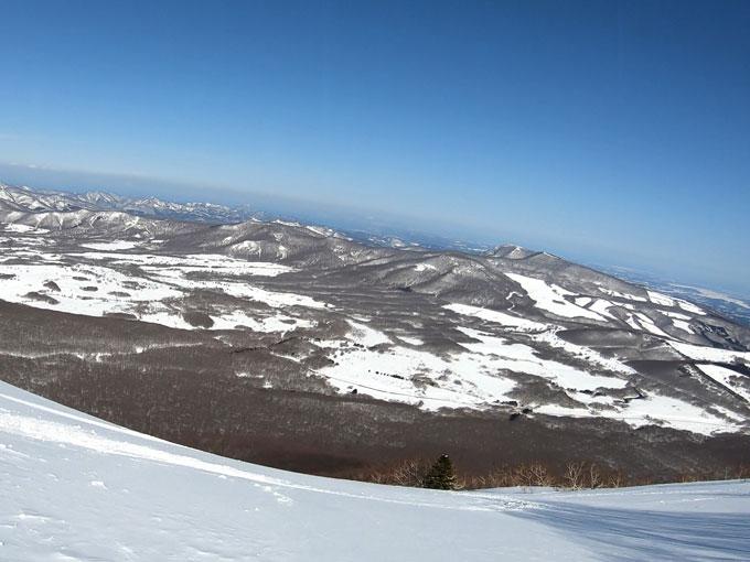雛岳で滑る斜面が見えない写