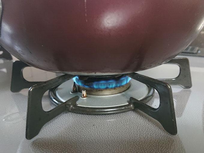 異常加熱防止機能で弱火にな